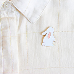 Pin's lapin blanc émaillé zu-detail